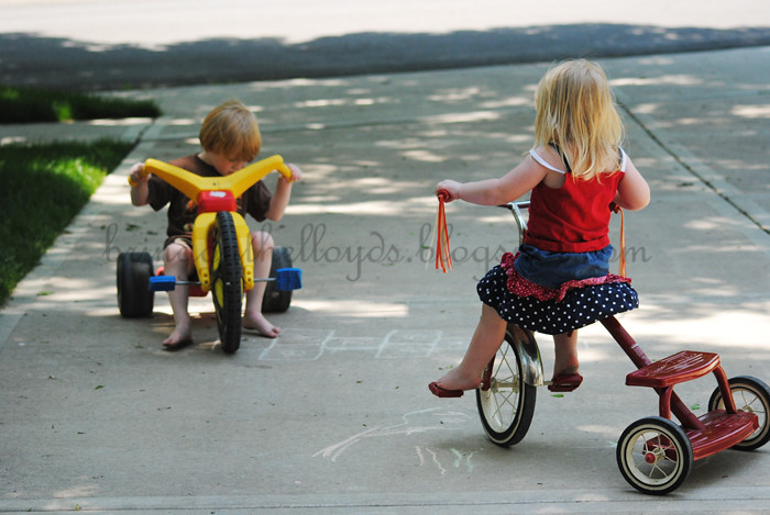 Kids-on-driveway