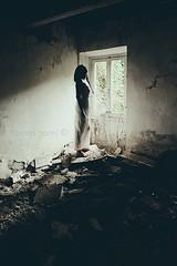 Enchanting ruins (La T / Tiziana Nanni) Tags: light portraits shadows skin stories ritratti evanescence ruines rovine abbandono macerie womenportraits enchantingruines