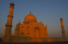 Taj Mahal, Agra (bag_lady) Tags: building sunrise tomb tajmahal structure mausoleum marble worldheritage shahjahan moghuls bluelist earthasia greatmughals