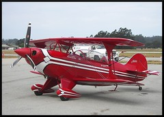 Pitts S-2B at Watsonville (Dusty_73) Tags: airplane aircraft aviation airshow watsonville biplane aerobatic pitts aviat s2b