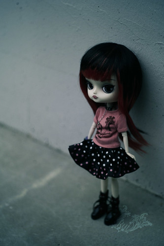 Little girl, waiting (by ♠ R u i ♠)