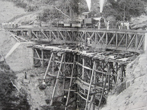 building the Congo railroad- 1890s