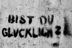 BIST DU GLCKLICH? (digital_ash) Tags: bw wall wand spray fortune luck sw glcklich glck