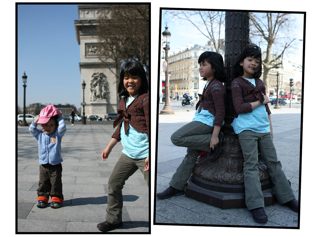 twin girls:Arc de Triomphe, Paris