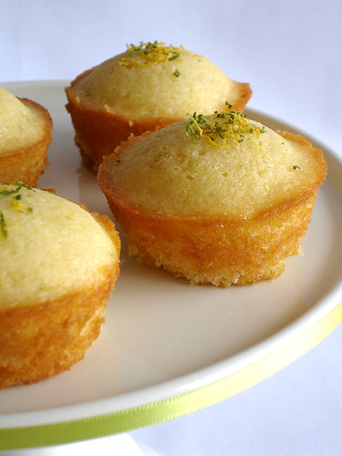 Mini citrus syrup sponges