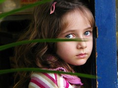 Sadness (Gaby.Bernstein) Tags: portrait girl face look childhood sadness kid child gaby blueeyes bernstein bigblueeyes bernsteingaby gabybernstein