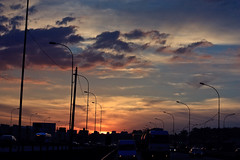 Sunset at So Paulo (Daniel Gotz) Tags: road sunset pordosol cloud landscape highway sopaulo prdosol estrada cloudscape xsi rodovia castellobranco eos450d