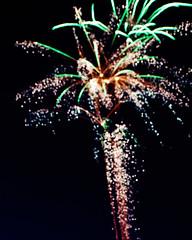 bokeh-works (Michael William Thomas) Tags: mike photo backyard fireworks bokeh thomas flash 4 journal illegal independence fourth vio mikethomas michaelthomas viovio mtphoto cmndrfoggy