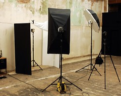 White Background Set-up (Studio d'Xavier) Tags: whitebackground setup behindthescenes alienbees lightingsetup strobist strobistsetup studiodxavier
