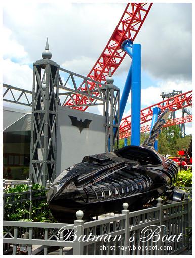 Warner Bros. Movie World: Batman's Boat