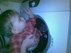 Mamo! Tato! Jestem w pralce !!!