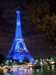 Tour Eiffel @ Night / Paris /  /   () Tags: city pink blue vacation holiday paris tower wet seine night clouds river boats boat purple eiffeltower eu overcas