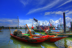 PP9 (azliphotography) Tags: vacation cloud tourism island boat fishing fisherman jetty laut malaysia hdr bot terengganu seaview pulauperhentian jeti ikan pemandangan nelayan kualabesut jerteh besut percutian canon40d tokina1116 azliismail
