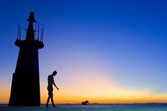 Caminhante (Fonseca) Tags: mar prdosol bahia salvador farol navio pontadohumait
