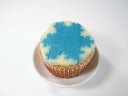 Fractal Snowflake Cupcakes - 20