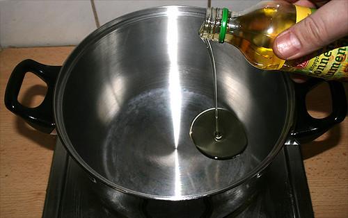 11 - Öl in Topf
