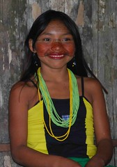 Letting go of the timidness (Graham Shannon) Tags: brazil girl brasil photo amazon rainforest indian tribal tribe indio indigenous acre jordo amazonia indigenouspeople tropicalrainforest florestatropical southamericanindian indigenousculture forestpeople kaxinawa hunikuin grahamshannon riojordo povodafloresta