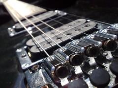 Leading Lines (Arron W) Tags: macro lines nokia guitar joe leading satriani 8gb n95 js100