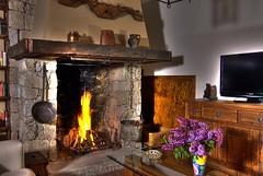 Chimenea (Fernando. V.) Tags: rural hdr chimenea studioflash3