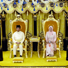 Daulat Tuanku | King | Queen (wazari) Tags: travel portrait heritage history interesting asia king power traditional hijab culture royal portraiture malaysia destination sultan kualalumpur tradition ruler sejarah asean raja malay minister rulers istana adat nationalpalace kebudayaan istananegara kuasa istiadat kerajaanmalaysia daulattuanku tradisi rajakita wazari kesultananmelayu wazariwazir spbagong adatistiadatmelayu budayakita kuasasultan