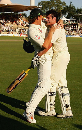 Adam Gilchrist and Michael Hussey celebrate a thrilling win-Australia vs England 2nd test Adelaide 2006