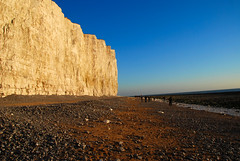 The Cliffs at Birling Gap (antonychammond) Tags: uk blue sunset sea england sky beach britain cliffs clear nationaltrust eastsussex wmp birlinggap abigfave flickraward diamondclassphotographer winnr