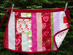 hearts and dots apron front
