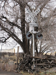 IMG_10712 (old.curmudgeon) Tags: railroad newmexico sign crossbuck crossingsignal 5050cy