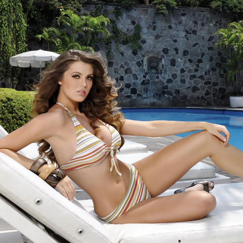 México Universe 2009 Karla Carrillo bikini photo