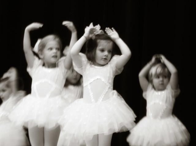 dance2011-12