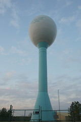 Egg-Shaped Watertower (Jacob...K) Tags: tower water america fence giant shaped south watertower egg southern carolina americana bown