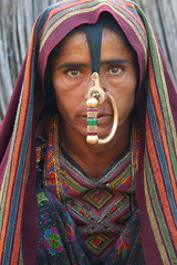 Asia - India / Jat - a tribe in Gujarat (RURO photography) Tags: voyage travel portrait india tourism beautiful smile face female scarf canon fun photography mujer asia pretty faces photos retrato femme muslim islam mulher cara reis tourist piercing portraiture asie nosering lonelyplanet frau portret indi islamic gujarat inde nationalgeographic reizen discoverychannel azi hoofddoek moslim bhuj jat gesichter supershot jath kartpostal enstantane anawesomeshot aplusphoto hodka voyageursdumonde journalistchronicles globalbackpackers discoveryphoto discoveryexpeditions rudiroels neusring thegalleryoffineportrait dhanetajat inspiredelite jathpeople jathwoman