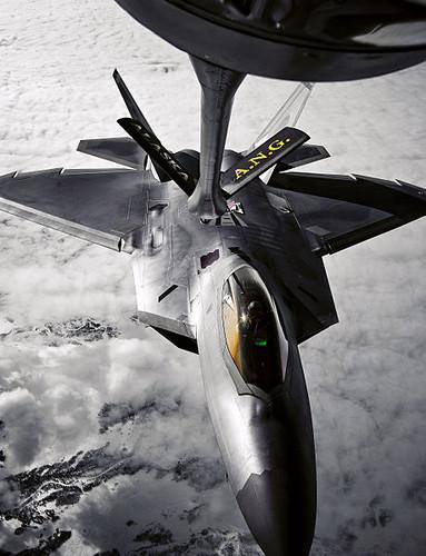 F-22 Raptor en reabastecimiento en vuelo