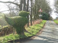 giant_topiary_bird