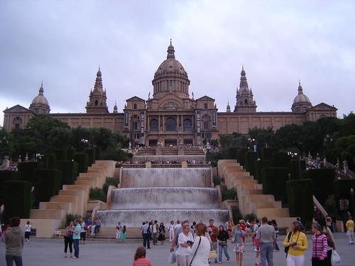 Museo Nacional de Arte de Cataluña y plaza españa