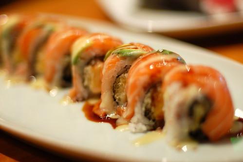 Oasis sushi-Mango crunch roll
