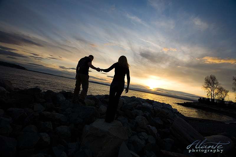 Seattle Engagement photos at the Myrtle Edwards park