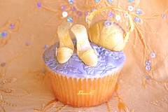 Haute Couture (~Trs Chic Cupcakes by ShamsD~) Tags: by kids project fun cupcakes yummy nikon shoes african south cupcake tres chic handbag proudly lemoncupcakes designercupcakes shamsd mousselinebuttercream shamimadesai madeinsouthafrica cupcakesinsouthafrica cupcakesfromsouthafrica cupcakesinpietermaritzburg weddingcupcakesinsouthafrica weddingcupcakesinpietermaritzburg