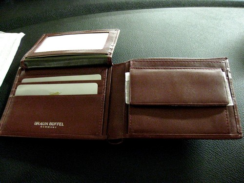 Braun Buffel Wallet Interior