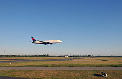 Plane landing at Dusseldorf Airport