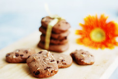 Almond choco chip cookies (Melinda ^..^) Tags: macro kitchen cookies closeup dessert yummy dof yum sweet bokeh chocolate cook almond mel crispy bakery chip melinda cocoa flour bake choco   chanmelmel