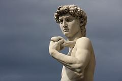 David, portrait (2) (Olivier Monbaillu) Tags: italy david canon florence italia tuscany firenze toscana michelangelo toscane italie michelange piazzadellasignora monbaillu eos40d