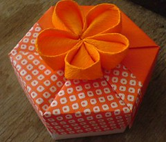 orange box (revidevi) Tags: origami box paperfolding papercraft doos paperbox tomokofuse origamibox kotak papiervouwen senilipatkertas papierdoos