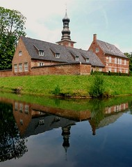 Husum castle (Eisgrfin (very busy)) Tags: reflection castle germany northsea schloss nordsee spiegelung husum