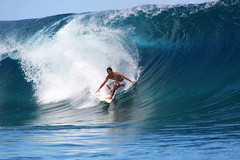 Surfer conquering the waves at Teahupoo, Tahiti. (cookiesound) Tags: ocean trip travel blue summer vacation holiday travelling canon photography reisen break fotografie urlaub wave surfing canoneos20d tahiti canoneos reise frenchpolynesia travelphotography traveldiary travelphotos reisefotografie teahupoo travelshots reisefotos reisetagebuch reisebericht travellifestyle cookiesound nisamaier ulrikemaier travellingtahiti travellingfrenchpolynesia
