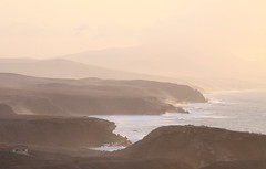 La Pared Coast Sunset (ahisgett) Tags: sunset evening fuerteventura ubuntu canaryislands lapared hisgett
