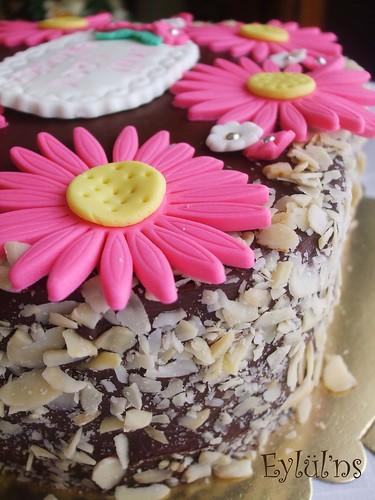 Bademli,Çikolatalı Pasta...
