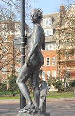 Francis Derwent Wood, Atalanta Preparing for the Race, left, Chelsea Embankment at Albert Bridge, London (ketrin1407) Tags: sculpture london statue thames female bronze nude chelsea erotic greekmythology atalanta sensuous chelseaembankment fderwentwood francisderwentwood