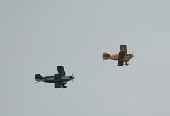 010.05.31.08 La Fert Alais Pitts S2B (F-HBOB - cn.5288) et S-1S (F-AZFH - cn.K-027) (alainmichot93) Tags: france warbirds iledefrance 91 avions pitts meetingarien s2b essonnes lafertalais2008 fhbob