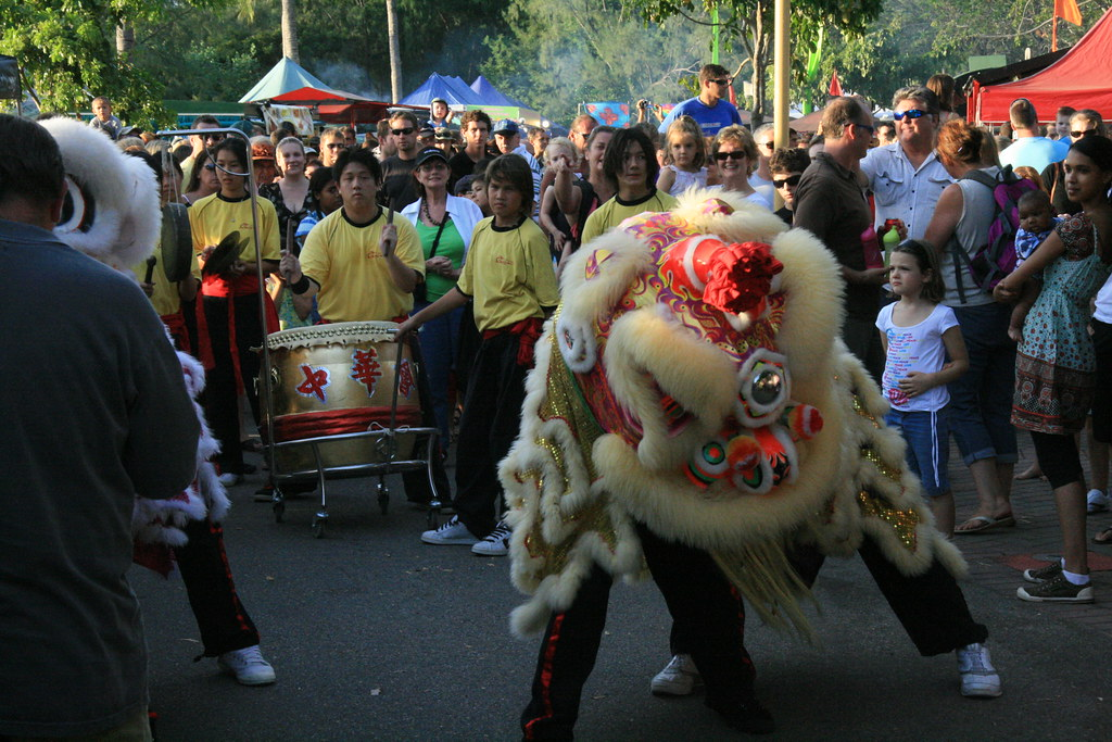 Chung Wah Society Dragon and Lion dancers